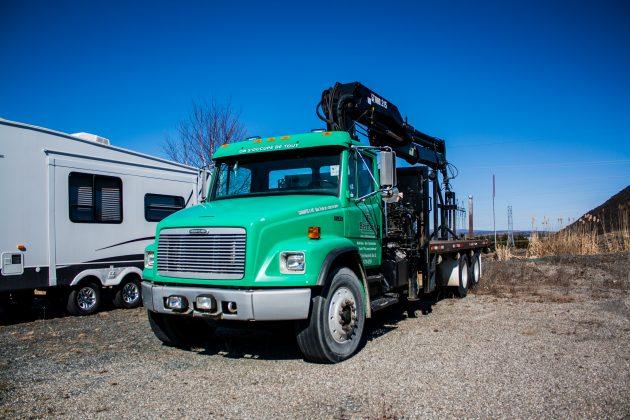 camion grue boom truck. Black Bedroom Furniture Sets. Home Design Ideas
